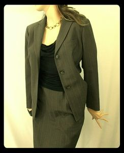 Anne Klein 2 Skirt Suit